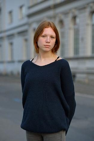 Mittelland Junge rothaarige Frau in der Appelstraße Gnaudschun